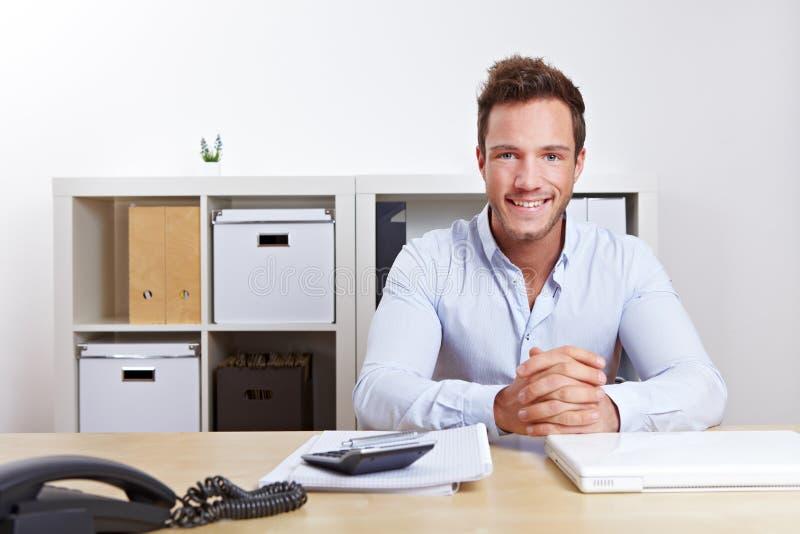 Consultante de negócio de sorriso foto de stock royalty free