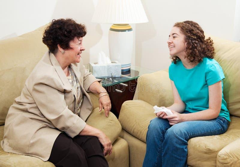 consultation de conversation amicale image stock