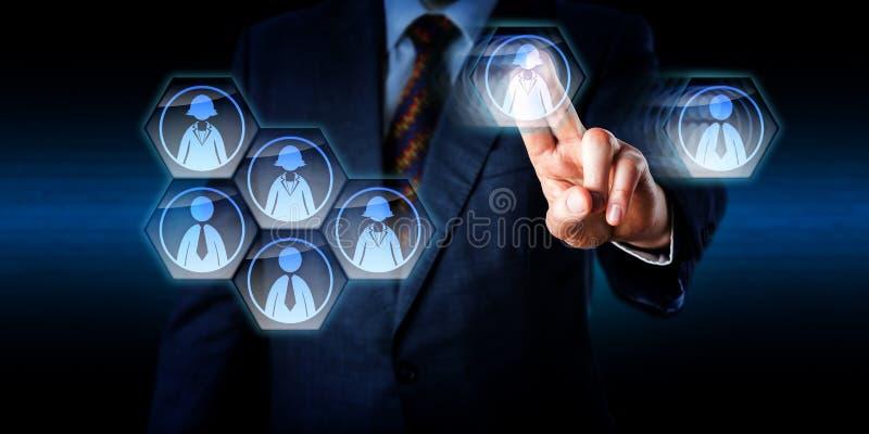 Consultor Dismantling un trabajo Team In Cyberspace imagen de archivo libre de regalías