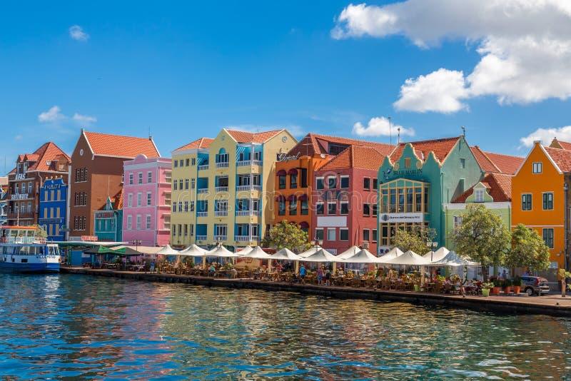 Consumición a lo largo del canal de Curaçao fotografía de archivo libre de regalías