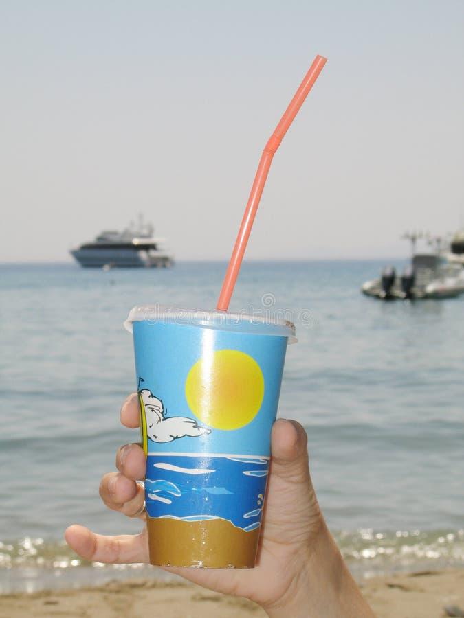 Download Consumición por el mar foto de archivo. Imagen de objeto - 179348