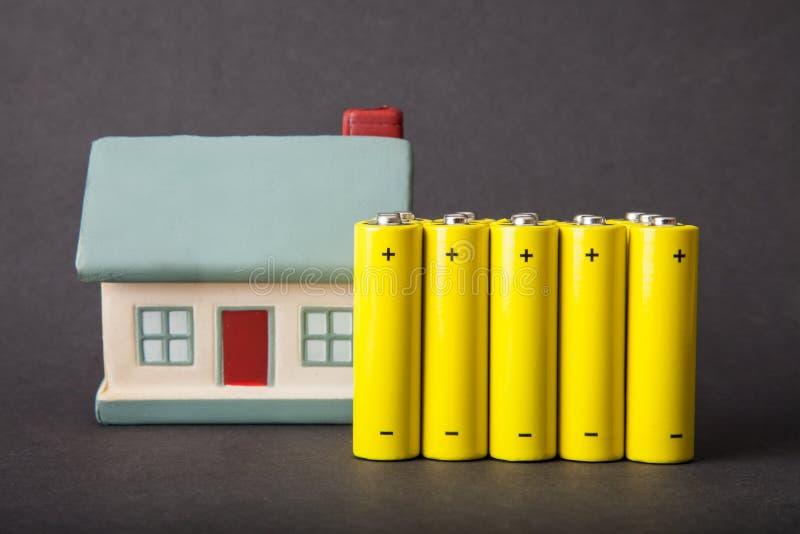 Consumo de energia da casa fotos de stock
