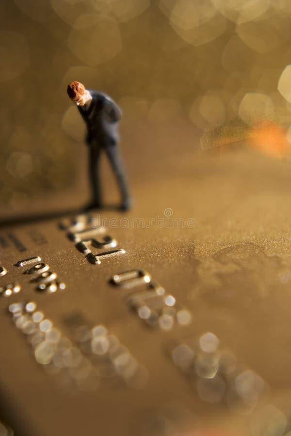 A conta de cartão de crédito começ o para baixo? foto de stock
