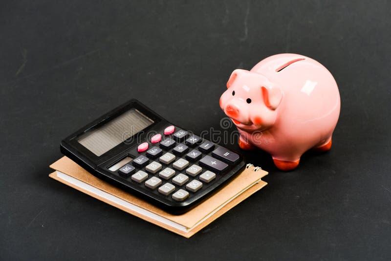 contabilit? Rapporto finanziario risparmio dei soldi Contabilità e libro paga gestione del capitale pianificazione che conta bila immagine stock libera da diritti