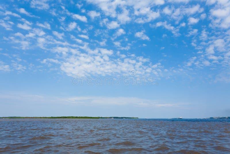 Contact des eaux Confluent brésilien de rivières de Manaus photos libres de droits