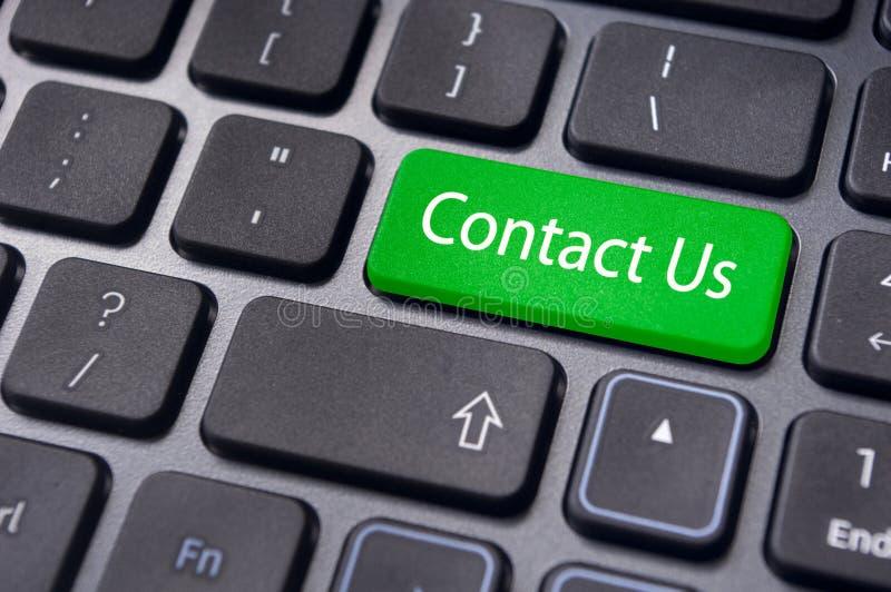 Contacteer ons bericht ingaan sleutel, voor online conctact. stock foto