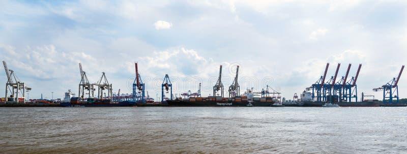 Container Eindburchardkai in de Haven van Hamburg royalty-vrije stock afbeeldingen