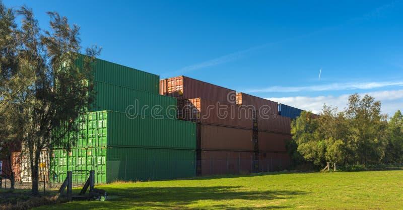 Container impilati fotografia stock libera da diritti