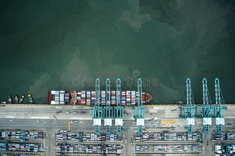 Download Container Ship Vertical View Stock Image - Image: 39023875