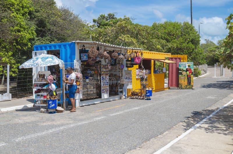 Container verkopende herinneringen bij Joao Pessoa-Pb Brazilië stock afbeeldingen