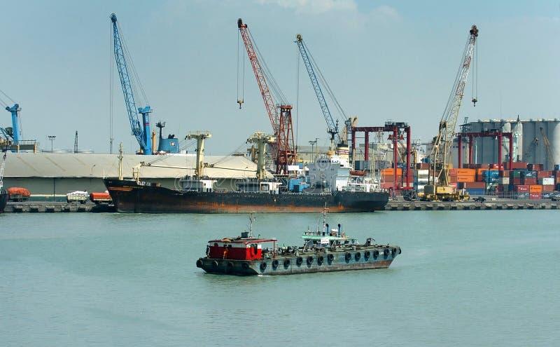 Containerbahnhof Jamrud Surabaya lizenzfreie stockbilder