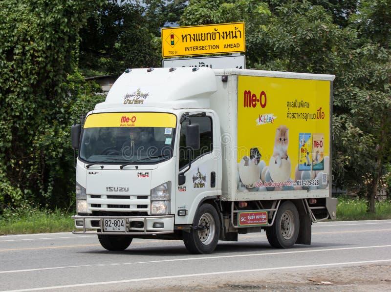 Containerfahrzeug für Katzenfutter-Transport stockfoto