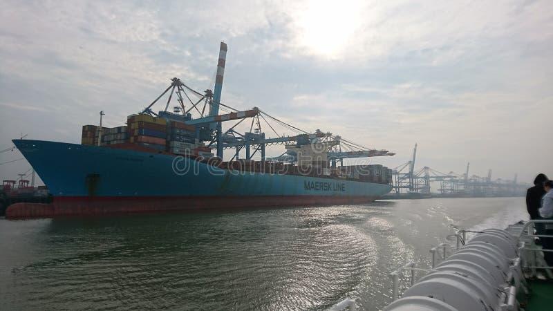 Containerschiff Bremerhaven-Anschluss stockfoto