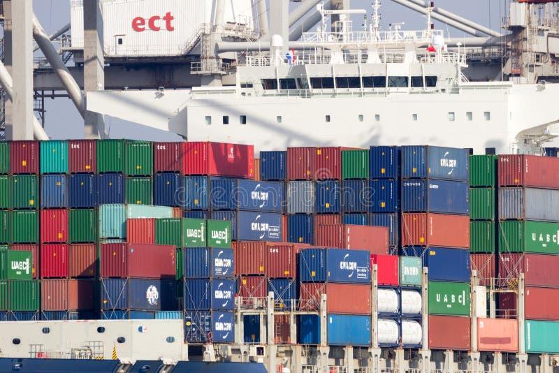 Containerschiff-Rotterdam-Hafen stockfotos