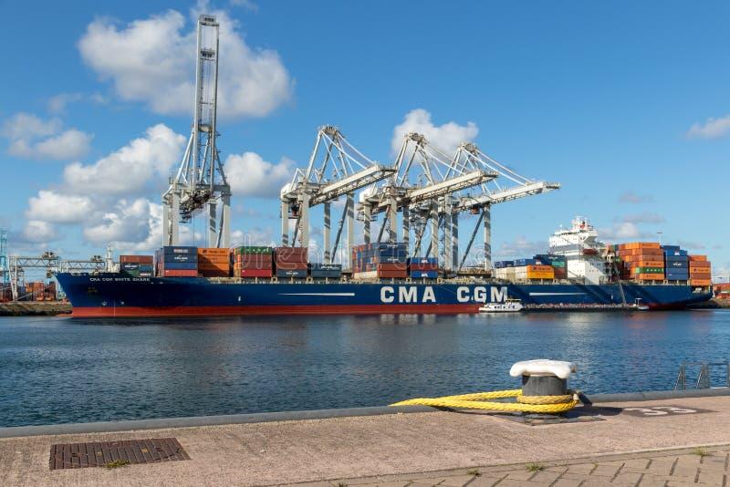 Containerschiffhafenversand lizenzfreie stockfotografie