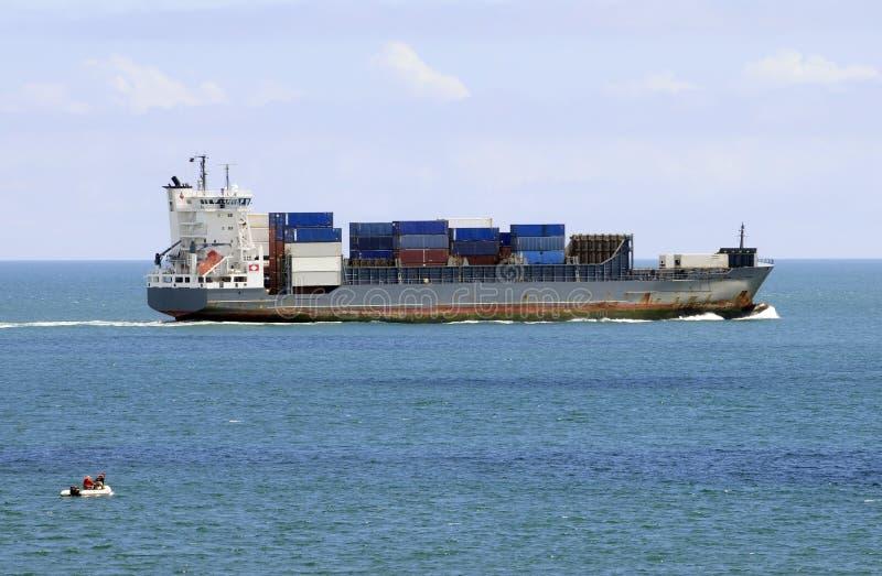 Containerschip op Open Wateren royalty-vrije stock foto