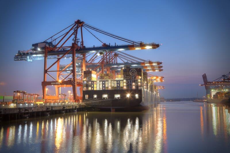 Containerterminal lizenzfreies stockfoto