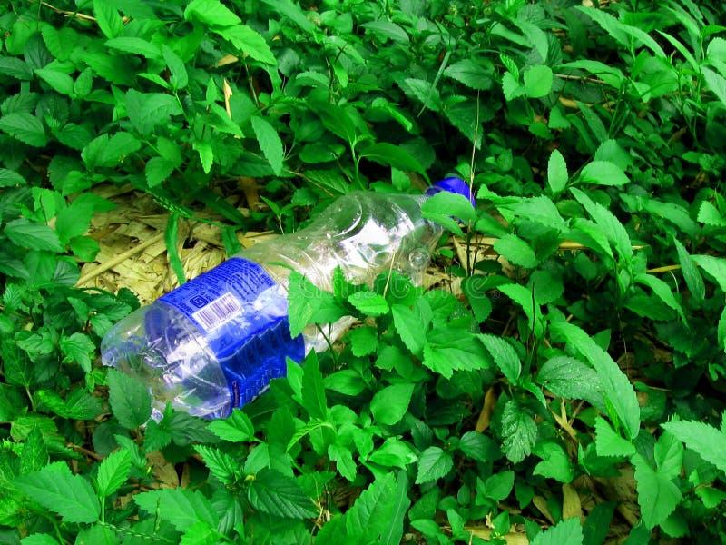 Contaminação do desperdício contínuo foto de stock