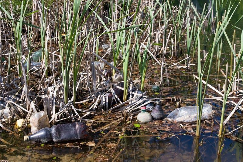 Contaminación en agua foto de archivo libre de regalías