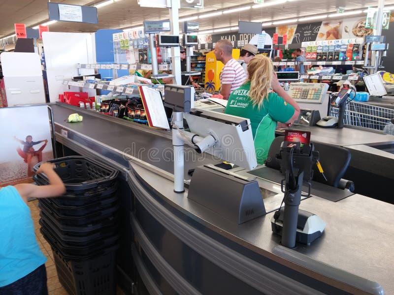 Contant geldpunt in supermarkt royalty-vrije stock afbeeldingen