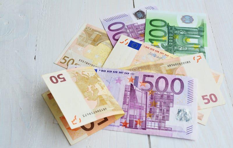 Contas do Euro de 500, 100 e 50 cédulas fotos de stock