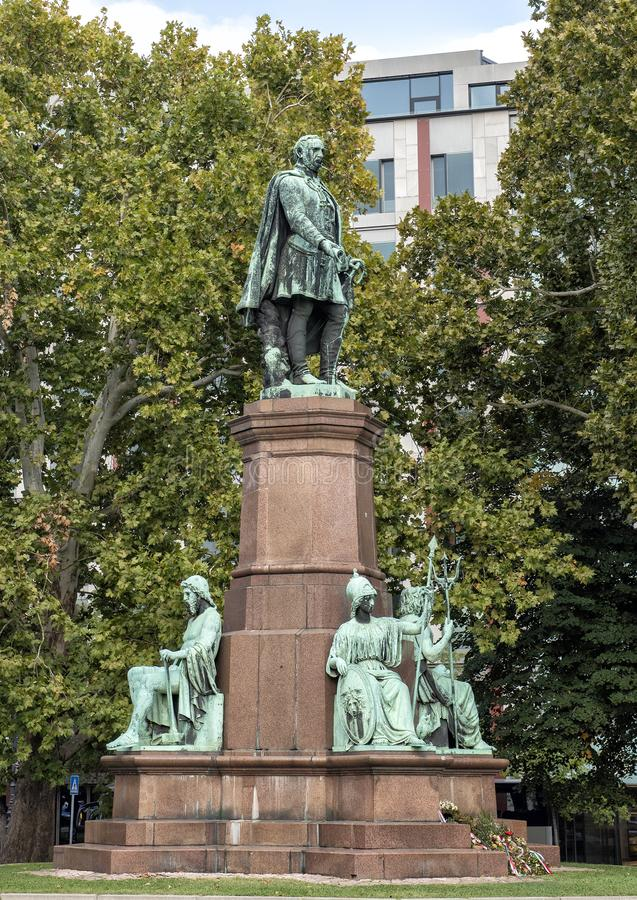 Conteggio bronzeo Istvan Szechenyi della statua, politico ungherese, teorico politico e scrittore immagine stock