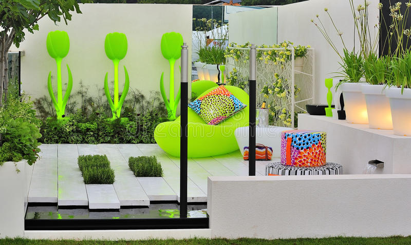 Download Contemporary Concept Garden Stock Image - Image: 23947811