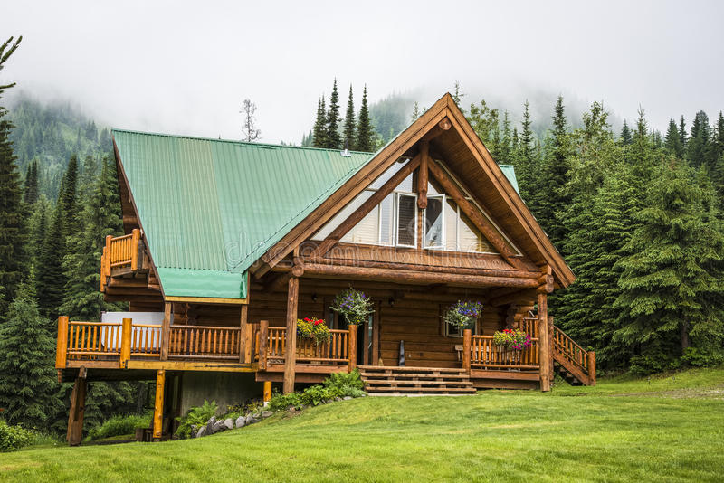 Contemporary log cabin lodge stock images