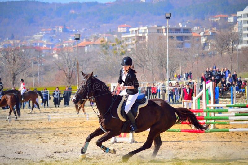 Contendiente Varna Bulgaria de la chica joven de la equitación foto de archivo libre de regalías