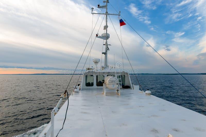 Conteneur de radeau de sauvetage sur le bateau photographie stock