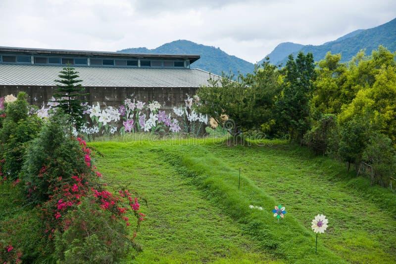 Download Contenga Centro De Exposición Cultural Del Municipio De Puli, El Condado De Nantou Thao Al Lado De Imagen de archivo - Imagen de decoración, edificio: 41918531