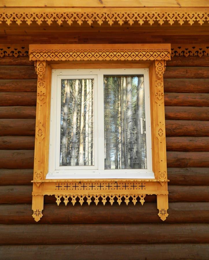 Contenga el hilo, ventana, madera, teca, de madera, reflexión fotos de archivo