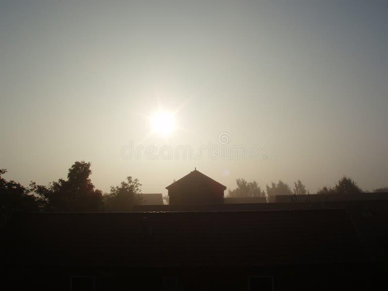 Contenga la silueta de la mañana del â del extremo fotos de archivo