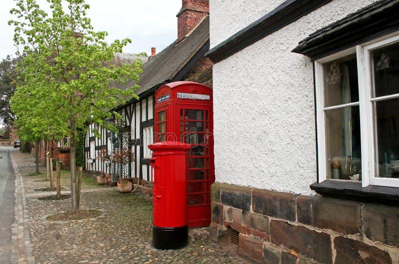 Contenitore della posta e di telefono fotografie stock libere da diritti