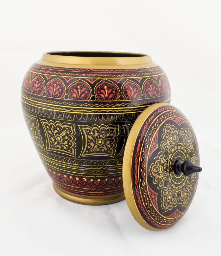 Contenitore di gioielli dipinto oggetto d'antiquariato di legno Handcrafted fotografia stock