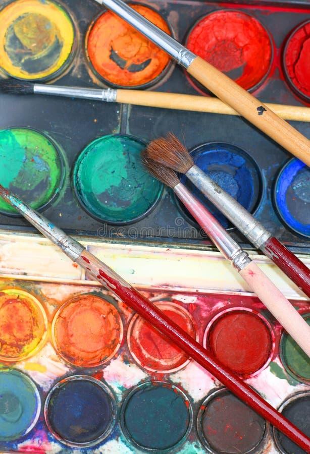 Contenitore di pittura di colore di acqua immagine stock