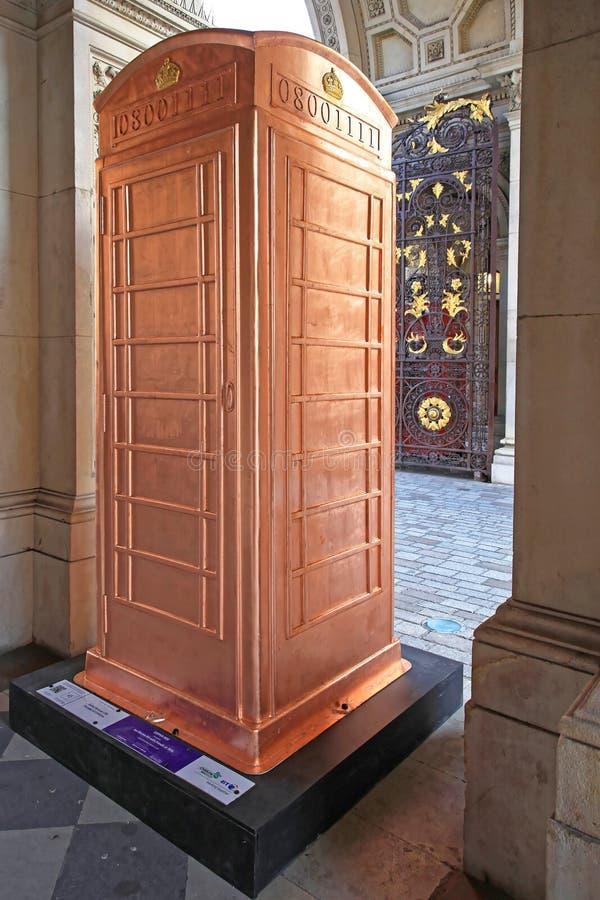 Contenitore di rame della cabina telefonica immagine stock libera da diritti