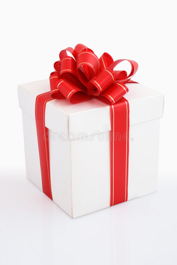 Contenitore di regalo bianco con il nastro rosso fotografia stock