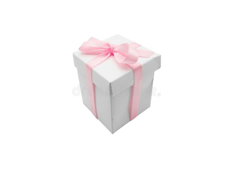 Contenitore di regalo con il nastro isolato su fondo bianco fotografia stock libera da diritti