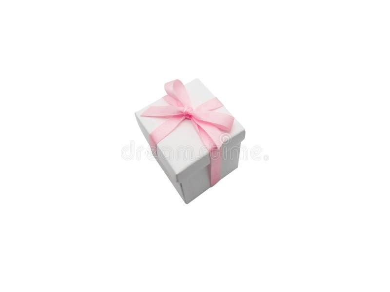 Contenitore di regalo con il nastro isolato su fondo bianco fotografia stock
