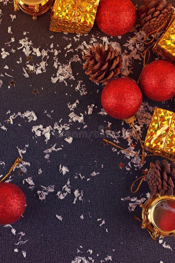 Contenitore di regalo decorativo di Natale, palla immagine stock