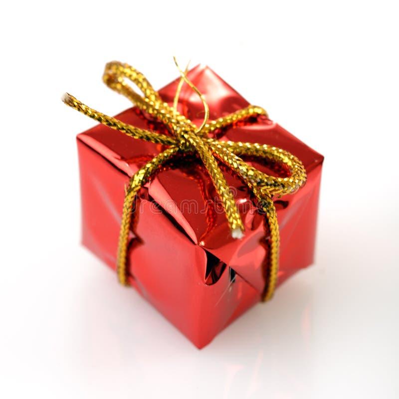 Contenitore di regalo delle decorazioni dell'albero di Natale fotografia stock