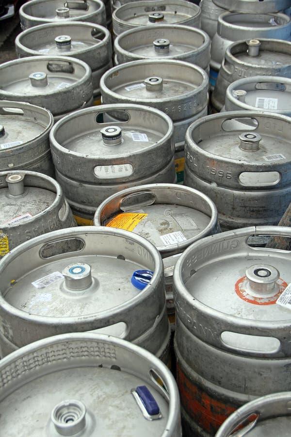 Contenitori del barilotto di birra fotografia stock libera da diritti