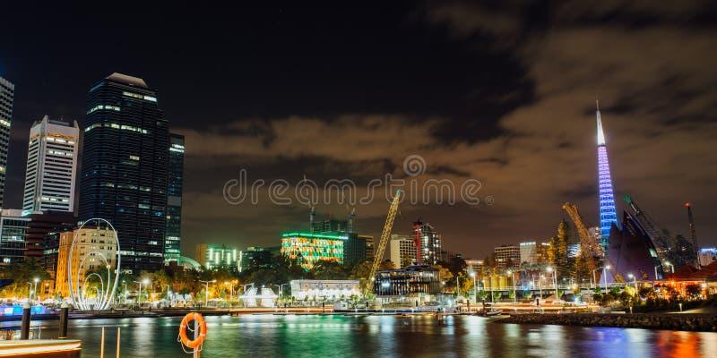 Contesto della città di festival di Diwali ad Elizabeth Quay, Perth, Australia occidentale, Australia fotografie stock