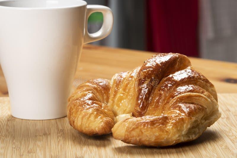 Continentaal ontbijt op de keuken stock afbeeldingen