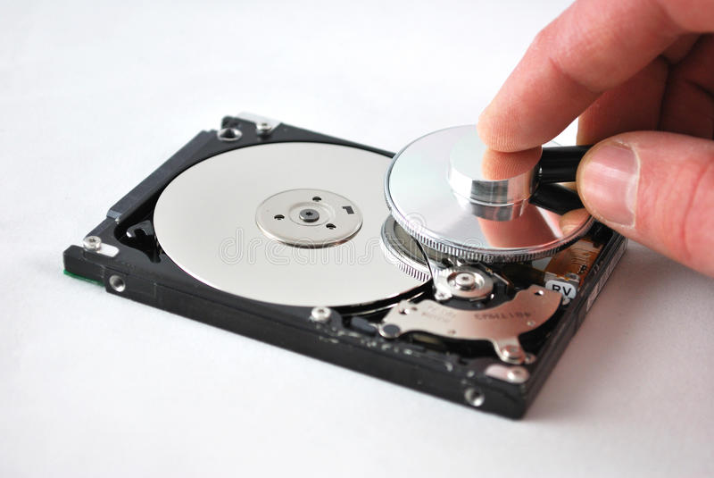 Contrôle de santé d'unité de disque dur photographie stock