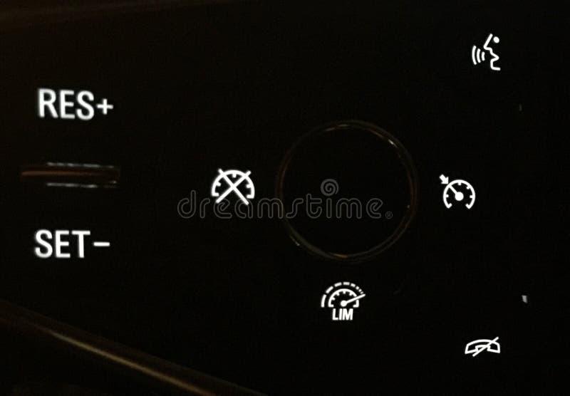 Contrôle de croisière d'insignes de Vauxhall image stock