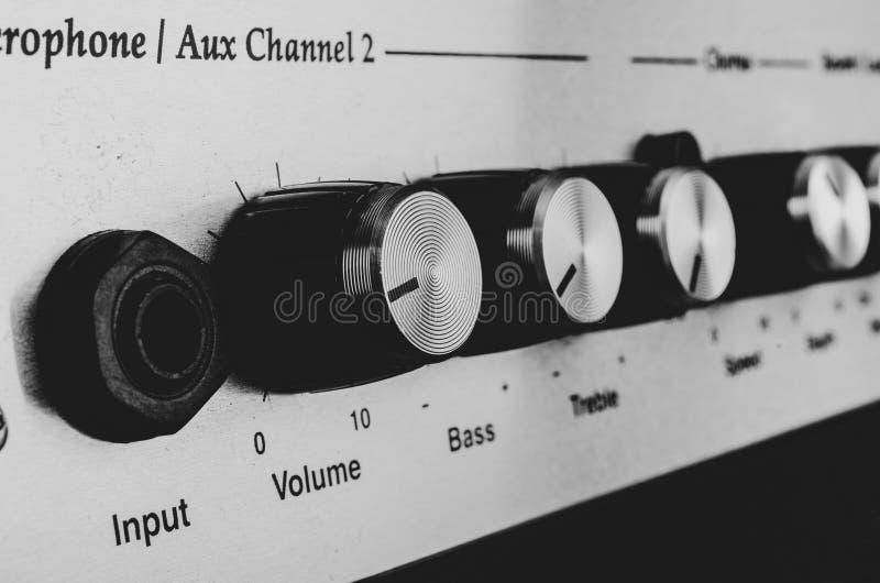 Contrações de um amplificador fotografia de stock
