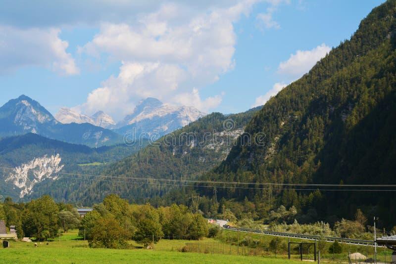 Contra el paso de Rolle, Trento, Italia imagen de archivo libre de regalías