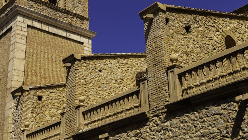 Contrafuerte de la iglesia que crea una cierta regularidad, Relleu España imágenes de archivo libres de regalías
